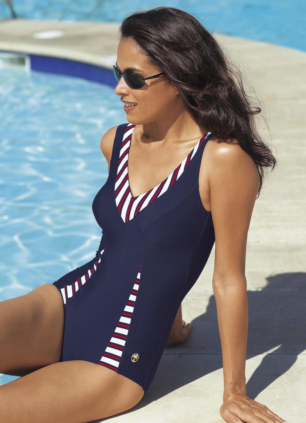 palm beach badeanzug mit halbkorsage bis cup e bade strandmode bader. Black Bedroom Furniture Sets. Home Design Ideas