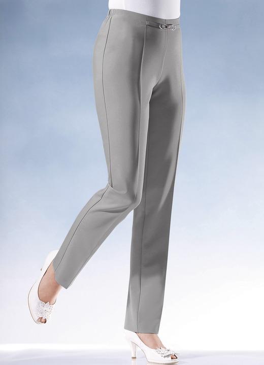 Hose mit modisch schmaler Fußweite in 7 Farben