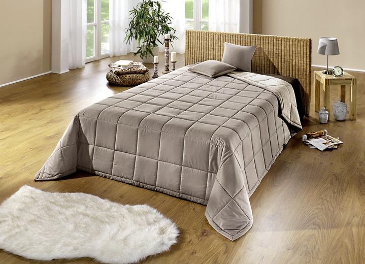 tagesdecke kissenh llen verschiedene ausf hrungen tagesdecken bader. Black Bedroom Furniture Sets. Home Design Ideas