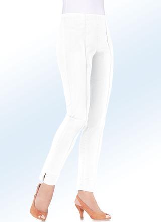 Hochelastische Jeans in Schlupfform. WEISS. JEANSBLAU. SCHWARZ 4a75dcf664