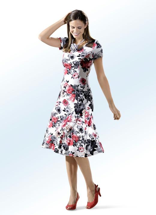 db48c58319c Sommerkleider - Kleid in schwingender Schlupfform