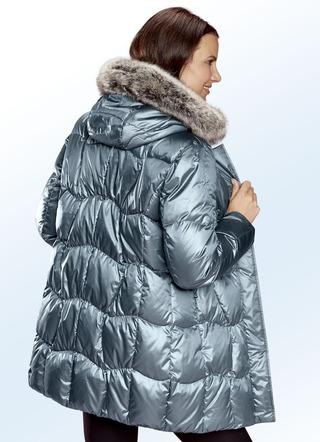 check out 9acad b8365 Schöne Daunenjacken für Damen in verschiedenen Designs
