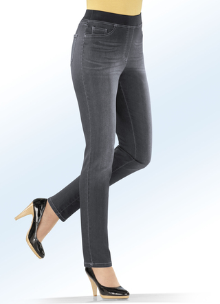 Power-Stretch-Jeans in Schlupfform